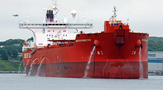 canada oil production - oil tanker